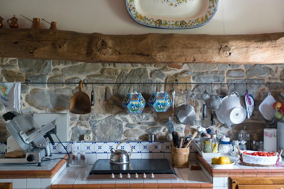 Come scegliere il piano di lavoro per la cucina